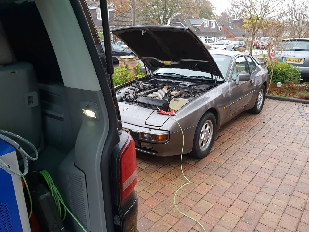 You are currently viewing Porsche 944 Hydrogen Carbon clean in Hampshire